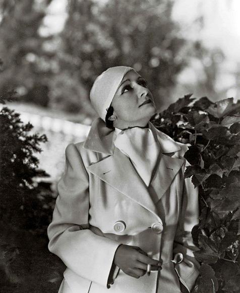 George Hoyningen-Huene. 'Mercedes de Acosta' 1934