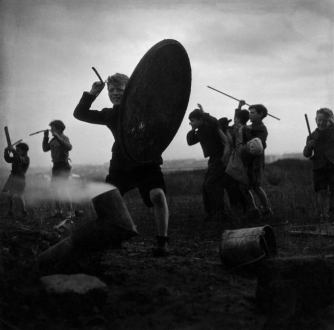 Robert Doisneau. 'African Games' 1945