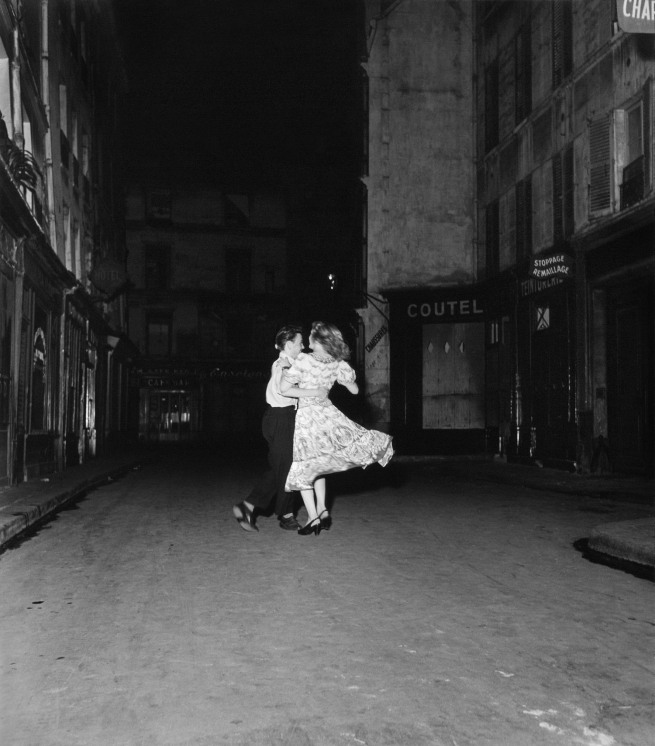 Robert Doisneau. 'La dernière valse du 14 juillet' (The last waltz of 14 July) 1949
