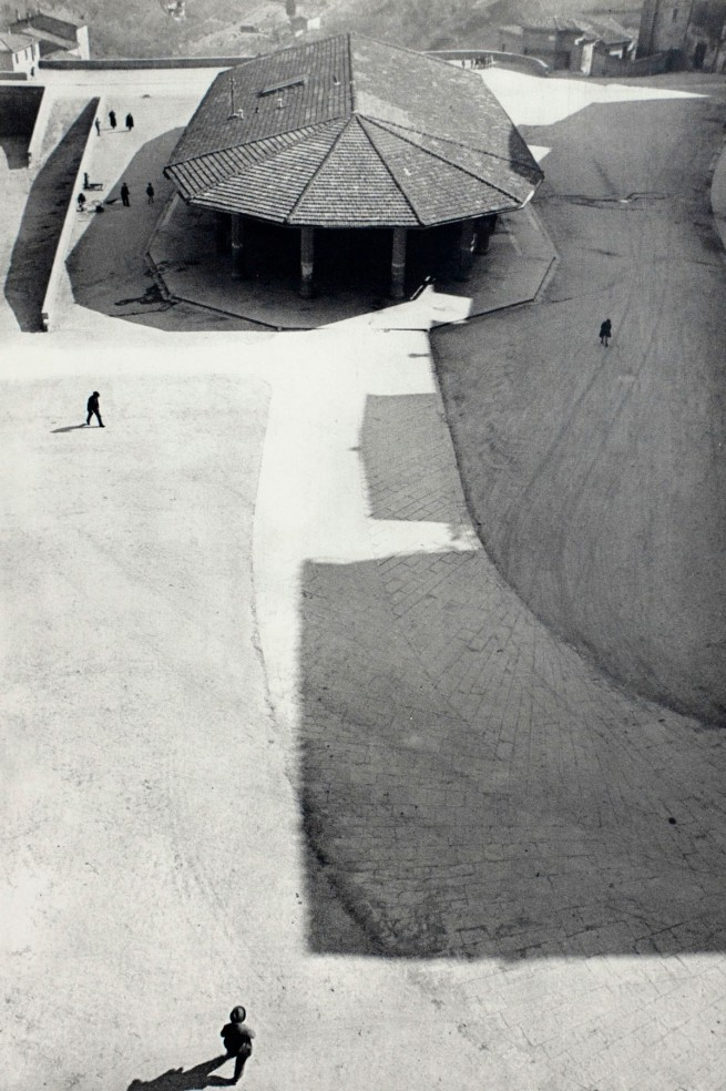 Henri Cartier-Bresson. 'Italy, 1933' (detail)