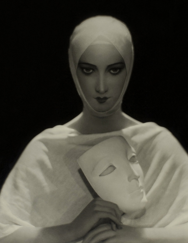 Adolph de Meyer. 'For Elizabeth Arden (The Wax Head)' 1931