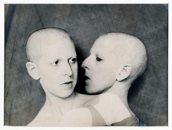 Claude Cahun. 'Que me veux tu?' 1929