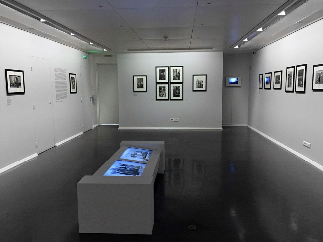 Installation views of the exhibition 'Images à la Sauvette' at the Fondation Henri Cartier-Bresson, Paris