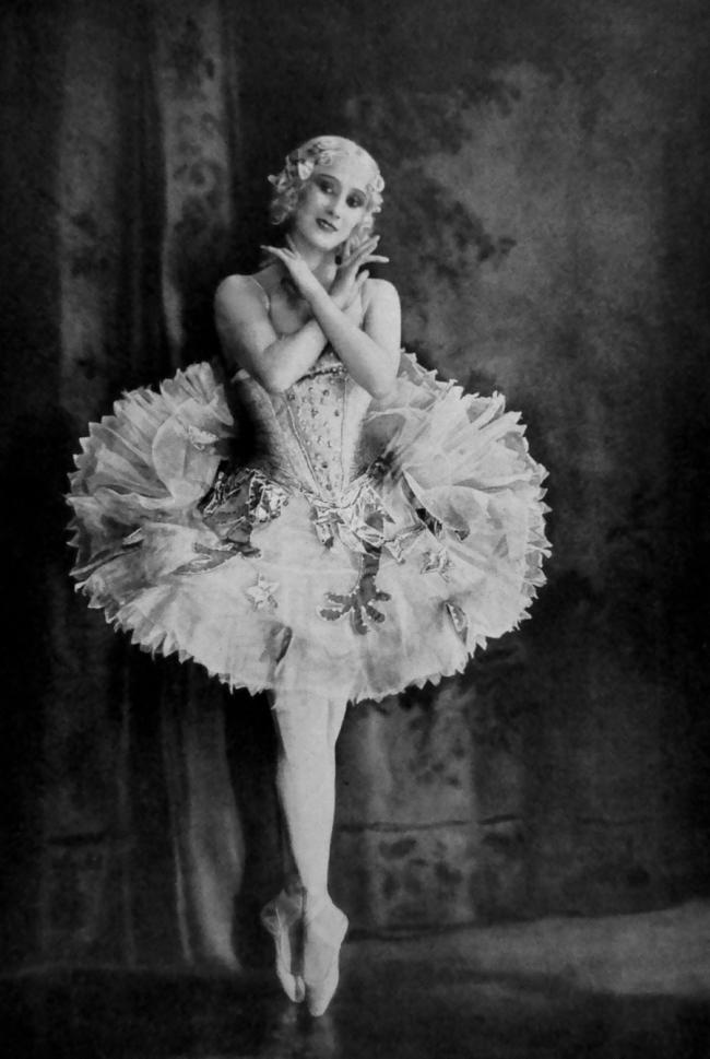 Ernst Schneider (Berlin) 'Anna Pavlova' c. 1928