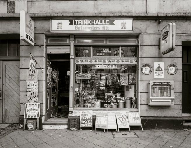 Tata Ronkholz (1940-1997) 'Beverage kiosk, Düsseldorf, Hermannstraße 31' 1978
