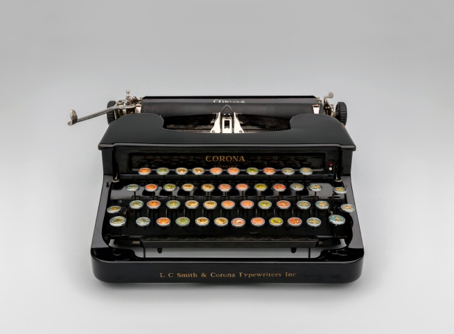 Corona Standard with Animal Keyboard 1936