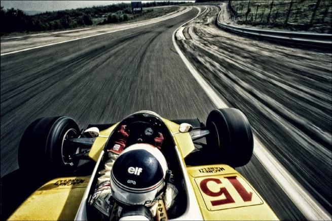 Bernard Asset. 'Passager d'Alain Prost (Alain Prost au volant d'une Renault RE30B, tests F1 sur le circuit Dijon-Prenois)' 1982