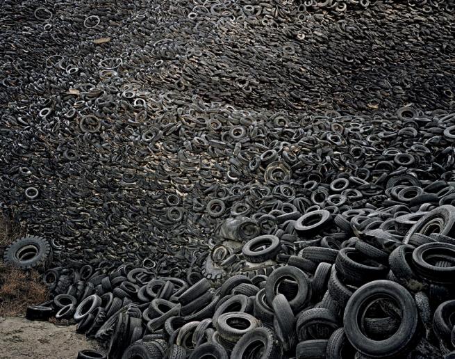 Edward Burtynsky. 'Oxford Tire Pile #9a/#9b, Westley, California, USA' 1999