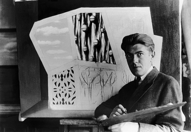Unknown photographer. 'René Magritte painting The Empty Mask (Le masque vide), Le Perreuxsur-Marne' 1928