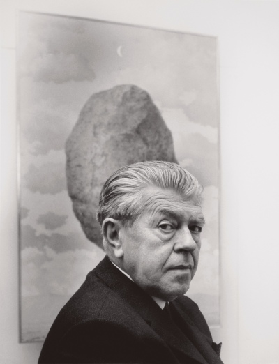 Shunk Kender.'René Magritte in front of Le sens de réalité' 1960