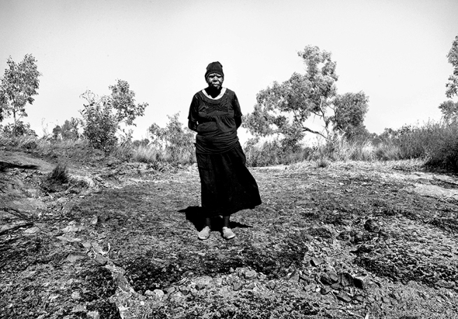 Judith Crispin. 'Beth Nungarrayi at Jdbrille Waterhole' 2015