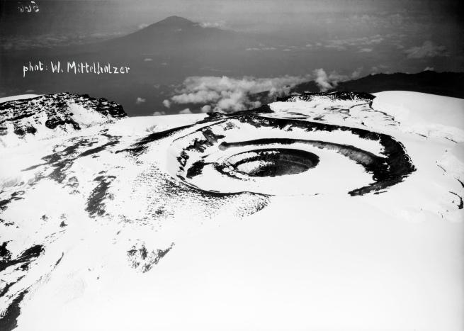 Walter Mittelholzer. 'Krater des Kibo' 1930