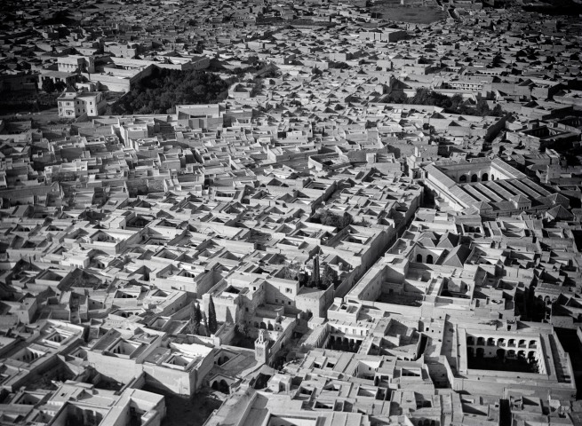 Walter Mittelholzer. 'Marrakech aus 200 m Höhe' 1930-1931