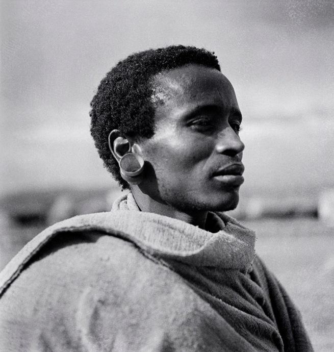 Walter Mittelholzer. 'Itu-Mann vom Südosten Abessiniens [Itu man from southeastern Abyssinia]' c. 1934