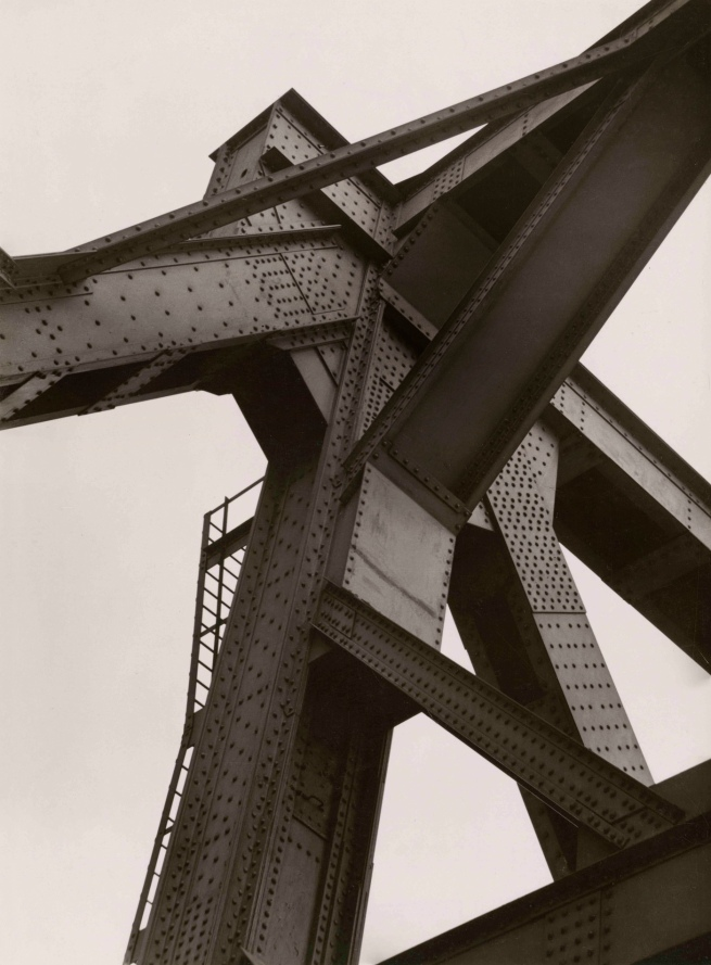 Albert Renger-Patzsch (1897-1966) 'Ein Knotenpunkt der Fachwerkbrücke Duisburg-Hochfeld [A node from the latticework bridge in Duisburg-Hochfeld]' 1928