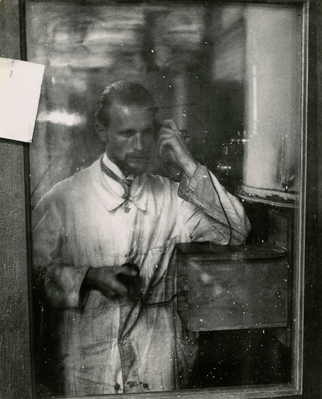 Jakob Tuggener(1904-1988) 'Autoritratto, Zurigo [Self-portrait, Zurich]' 1927