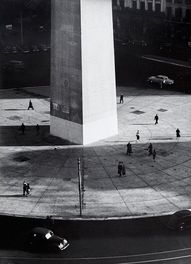 Sameer Makarius. 'Obelisco' / 'Obelisk' 1957