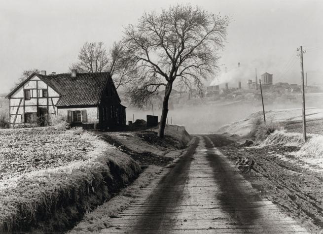 "Albert Renger-Patzsch (1897-1966) 'Landschaft bei Essen undZeche ""Rosenblumendelle"" [Landscape near Essenwith the Rosenblumendelle colliery]' 1928"