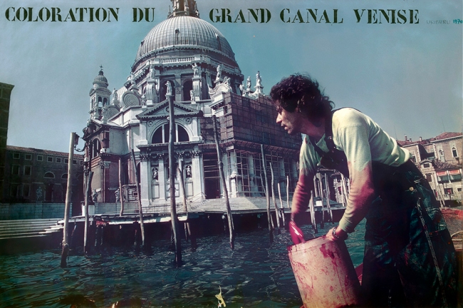 Nicolás García Uriburu. 'Le Geste - Coloration Du Grand Canale - Venise 1968-1970' / 'The Gesture - Colouring the Grand Canal - Venice 1968-70' 1968-70
