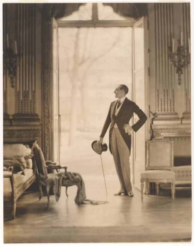 Adolf de Meyer (American (born France), Paris 1868-1946 Los Angeles, California) 'Etienne de Beaumont [Count Etienne de Beaumont (French, 1883-1956)]' c. 1923