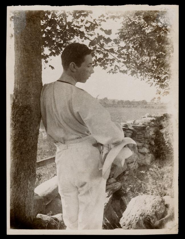 Gertrude Käsebier. 'Baron Adolf de Meyer (Leaning Against Tree)' 1903