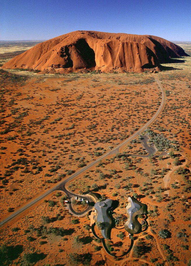 John Gollings. 'Uluru Visitor Centre (Gregory Burgess), Uluru, Northern Territory' 1999