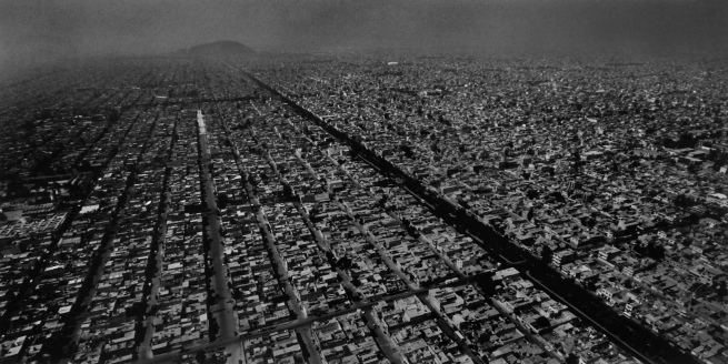Balthasar Burkhard (1944-2010) 'Mexico City' 1999