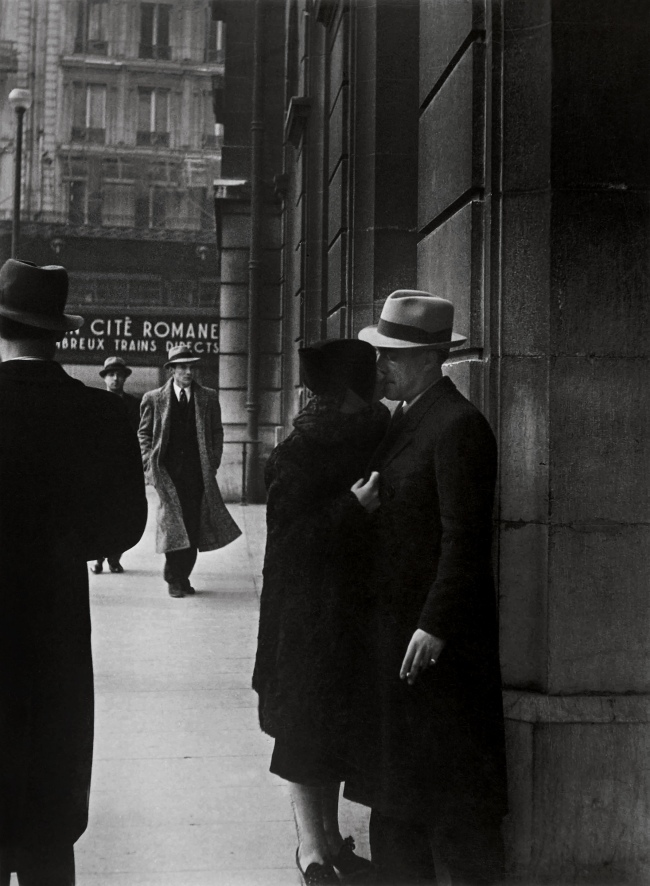 Brassaï (Gyulá Halász, 1899 - 1984) 'Lovers at the Gare Saint-Lazare' 1937