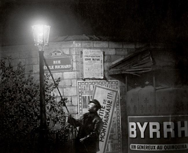 Brassaï(Gyulá Halász, 1899 - 1984) 'Extinguishing a Streetlight, rue Émile Richard' c. 1932