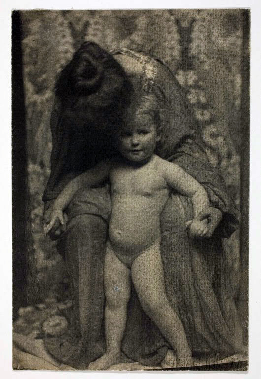 Gertrude Käsebier. 'Mother and Child' 1899