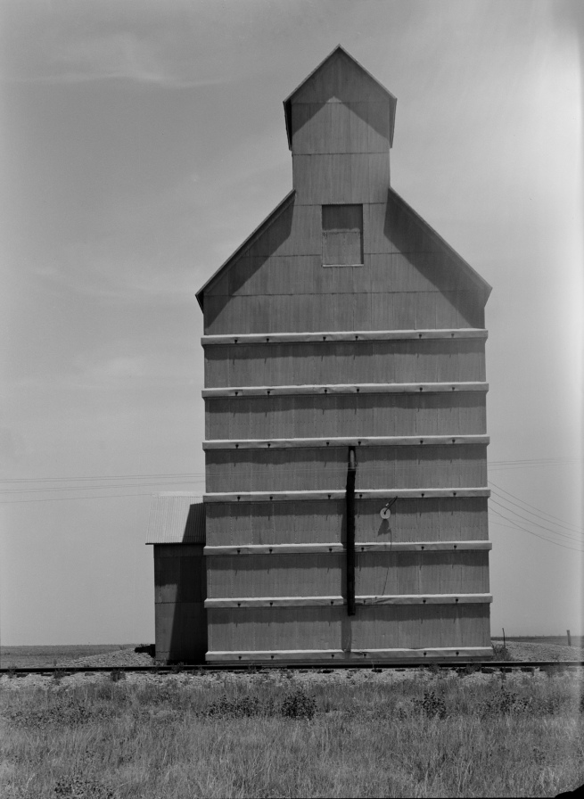 Dorothea Lange. 'Dust Bowl, Grain Elevator, Everett, Texas' June 1938