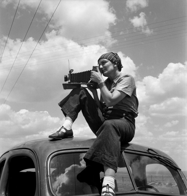 Paul S. Taylor. 'Dorothea Lange in Texas on the Plains' c. 1935