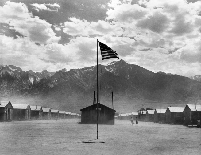 Dorothea Lange. 'Manzanar Relocation Center' 1942