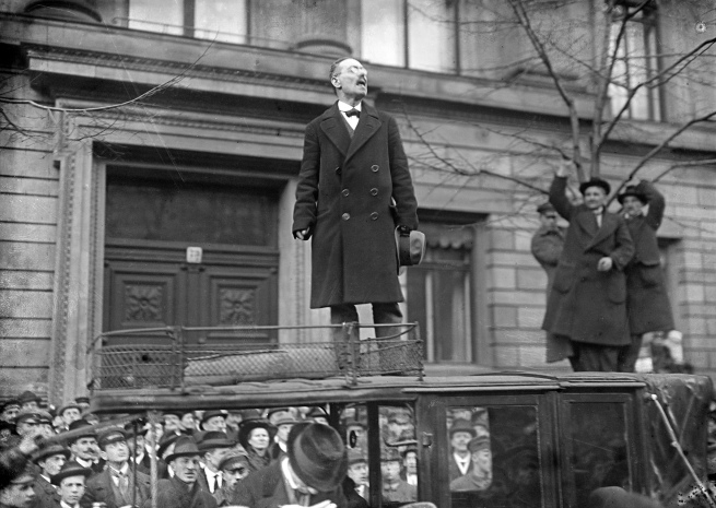 Willy Römer (German, 1887-1979) 'Demonstration of the soldiers for immediate demobilisation: Karl Liebknecht speaks in front of the Ministry of the Interior on Unter den Linden' 4.1.1919