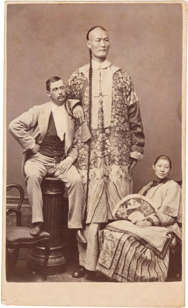 Archibald McDonald. 'Chang the Chinese Giant with his wife Kin Foo and manager Edward Parlett' c. 1871