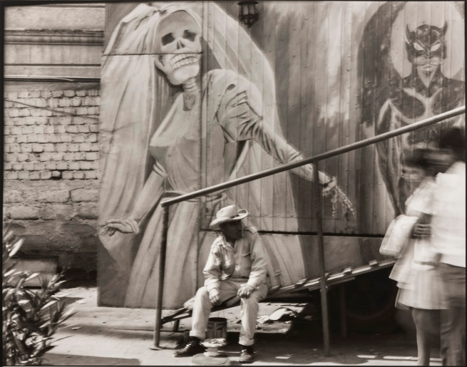 Graciela Iturbide (Mexican, b. 1942) 'Casa de la Muerte, Ciudad de México' 1975