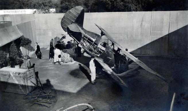 Unknown photographer. 'Hungary, Budapest XIV., City Park, Budapest International Fair showing captured Soviet I-15 Csajka fighter wreck' 1942
