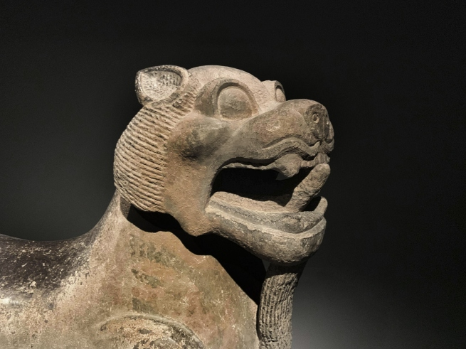 Mythical creatures 石兽 Eastern Han dynasty, 25 - 220 CE