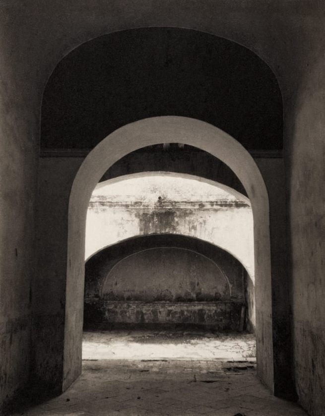 Edward Weston. 'Arches, Oaxaca' 1926