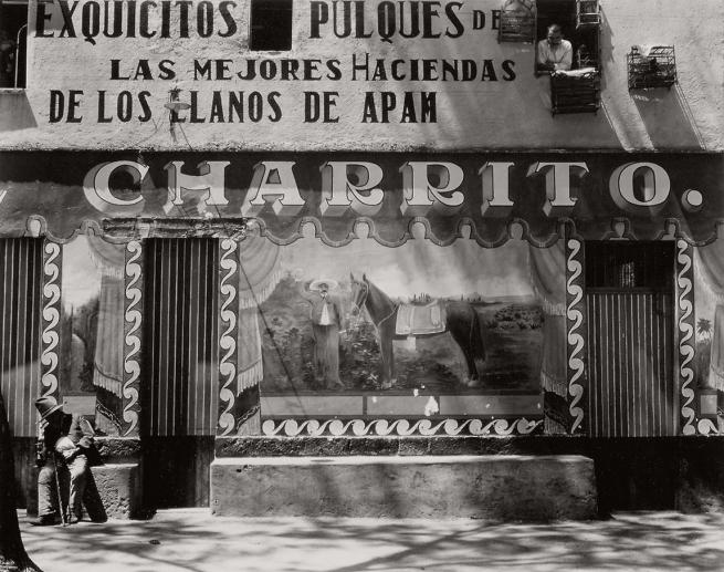 Edward Weston. 'Charrito, pulquería mural' 1926