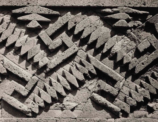 Edward Weston. 'Detail of stone frieze, ruins of Mitla, Oaxaca' 1926