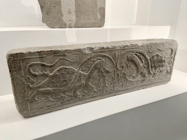 Hollow brick with snake and tortoise 玄武纹空心砖 Western Han dynasty, 207 BCE - 9 CE
