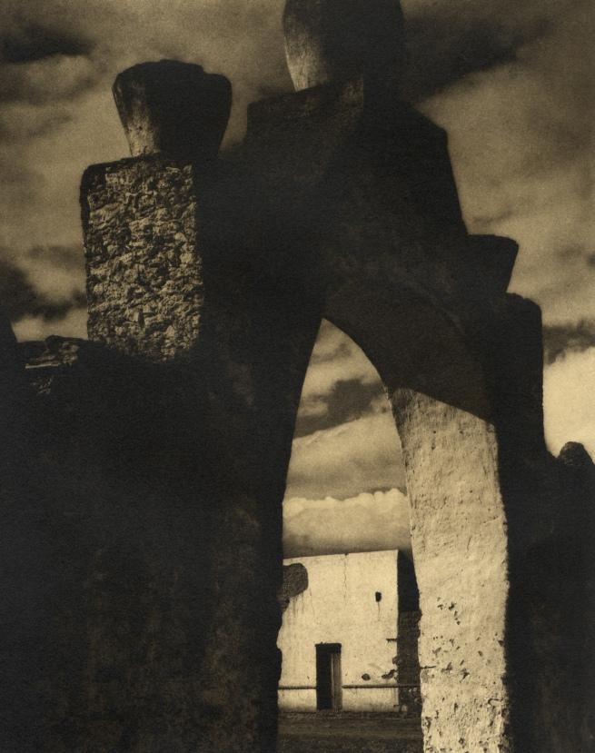 Paul Strand. 'Gateway - Hidalgo' 1933