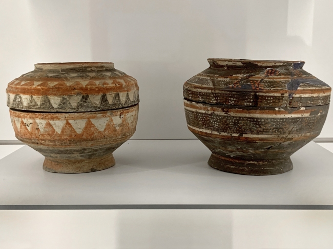 Jar for storing grain (left) 彩绘陶仓 Han dynasty, 207 BCE - 220 CE