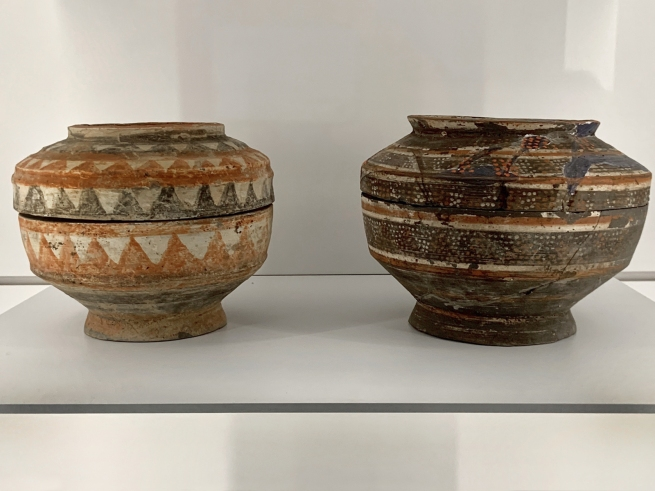 Jar for storing grain (left) 彩绘陶仓 Han dynasty, 207 BCE - 220 CE