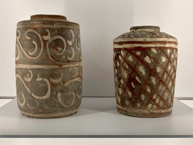 Lidded container, He(left) 彩绘陶盒 Han dynasty, 207 BCE - 220 CE