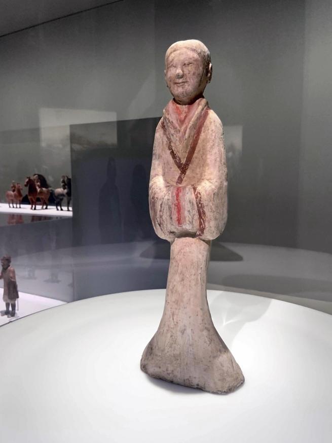 Female attendant 粉彩女俑 Western Han dynasty, 207 BCE - 9 CE