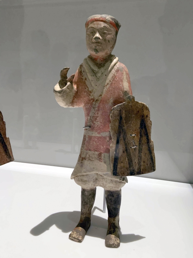 Standing soldiers 彩绘步兵俑 Western Han dynasty, 207 BCE - 9 CE