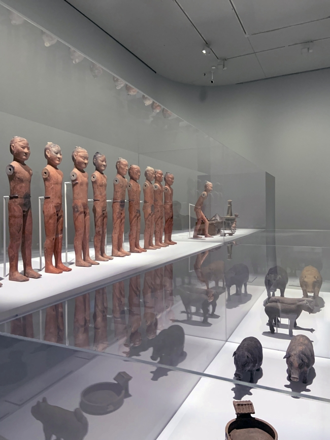 Group of ten soldiers 男武士俑--十人组 Western Han dynasty, 207 BCE - 9 CE