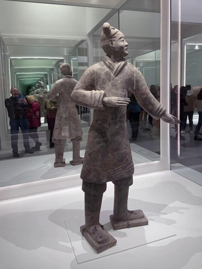 Standing archer 立射俑 Qin dynasty, 221 - 207 BCE